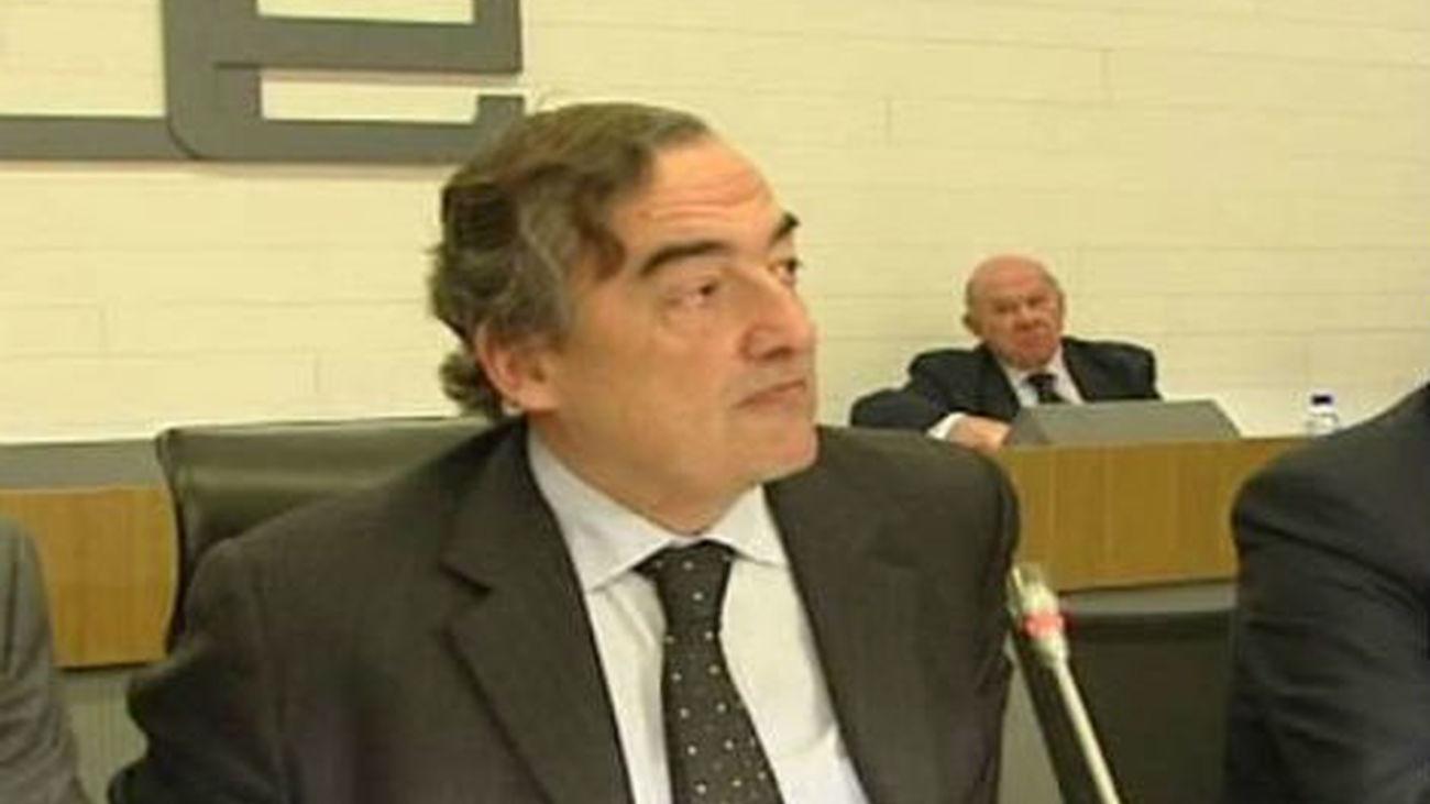 Rosell dice que saldría más barato mantener a algunos funcionarios en casa