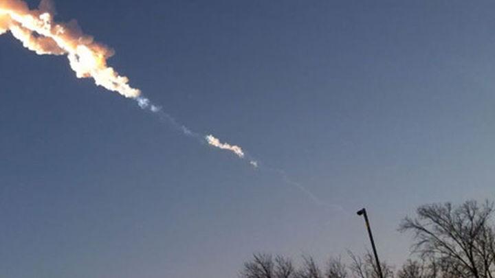 Encuentran un fragmento del meteorito caído en Rusia de un kilo de peso
