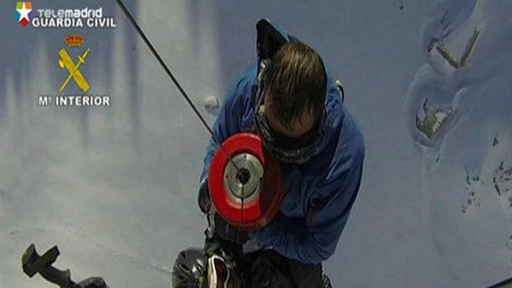 Lesionado grave un alpinista tras ser arrollado por un alud en Peñalara