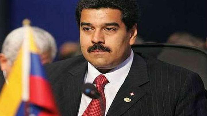 Maduro jura como presidente encargado tras el funeral de Chávez