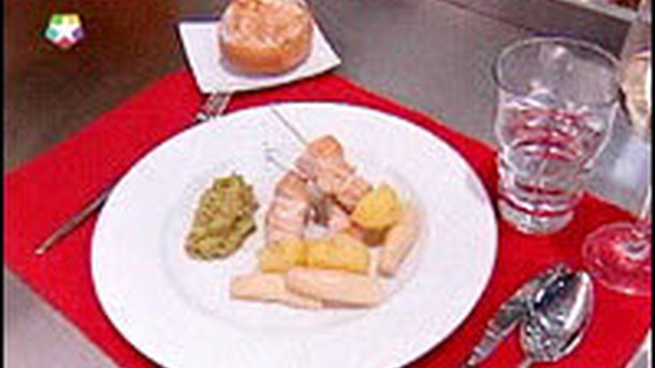 Receta: Pinchos de papas, pavo y guacamole
