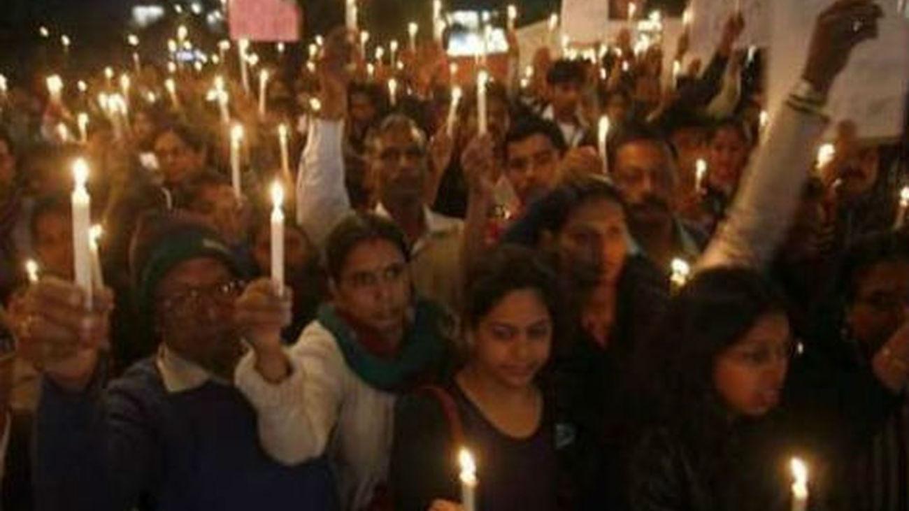 Aparece muerto en su celda el cabecilla de violación que indignó a la India