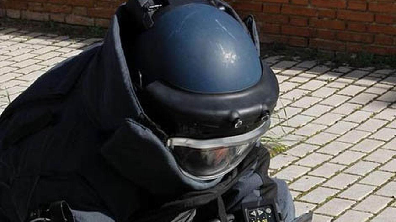 La mochila detonada por los Tédax en Madrid contenía unos 3 kilos de explosivo