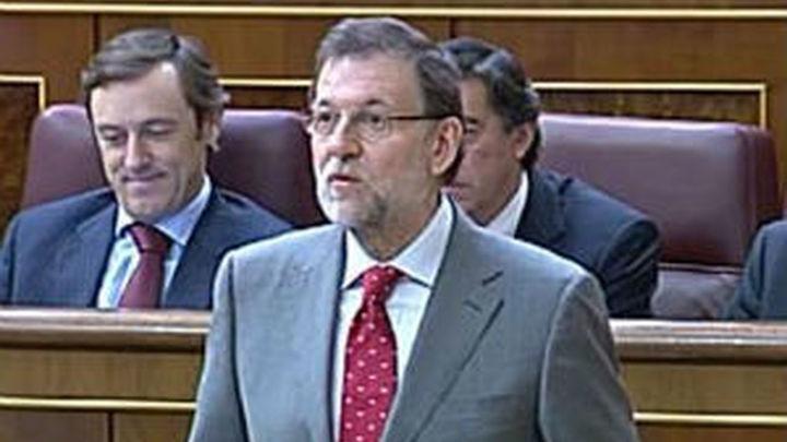 """Rajoy """"perseverará"""" en la política económica que Rubalcaba le exige cambiar"""