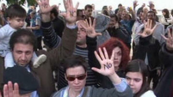 El Parlamento chipriota rechaza el plan del Eurogrupo de tasa a los ahorros