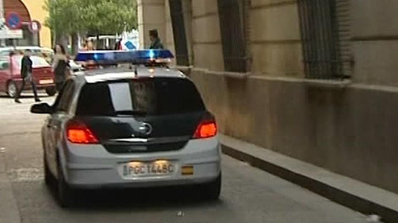 civil_guardia_coche_470