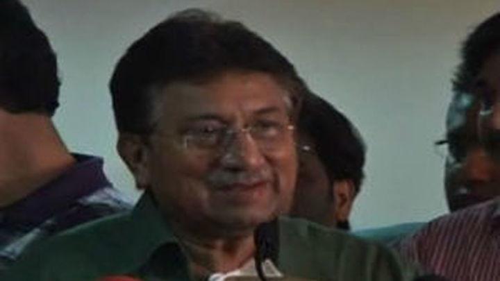 Musharraf llega a Pakistán a pesar de las amenazas de muerte