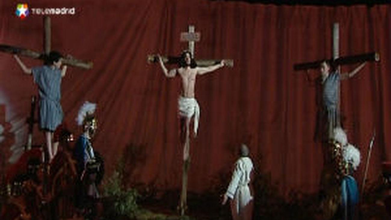 250 vecinos representan La Pasión de Cristo en Carabaña