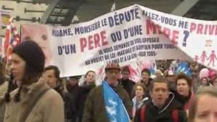 Los opositores al matrimonio homosexual vuelven a manifestarse en París