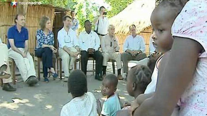 La reina Sofía llega a Mozambique para renovar la ayuda al desarrollo