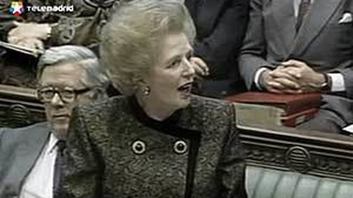 """Cameron y Miliband ensalzan en el Parlamento los """"logros"""" de Thatcher"""