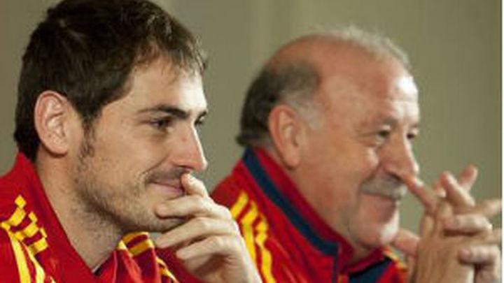 """Del Bosque: """"A Casillas le duele más perder el afecto de socios que la titularidad"""""""