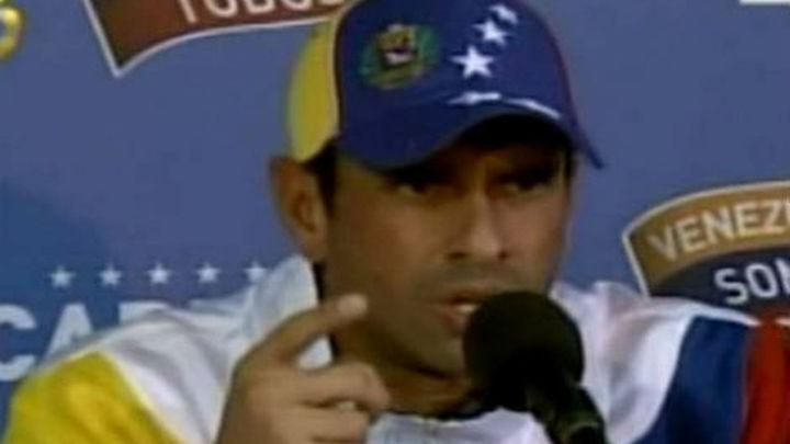 """Capriles llama a los electores a """"evitar que Venezuela toque fondo"""""""