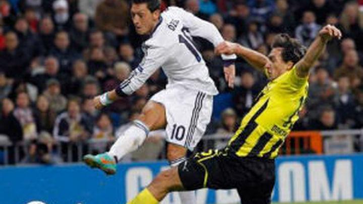 Ozil llega lanzado a Dortmund