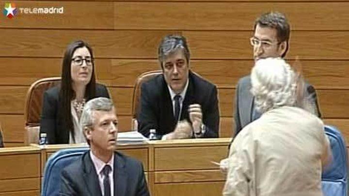 Beiras se encara con Feijóo y golpea su escaño en una bronca sesión del parlamento gallego