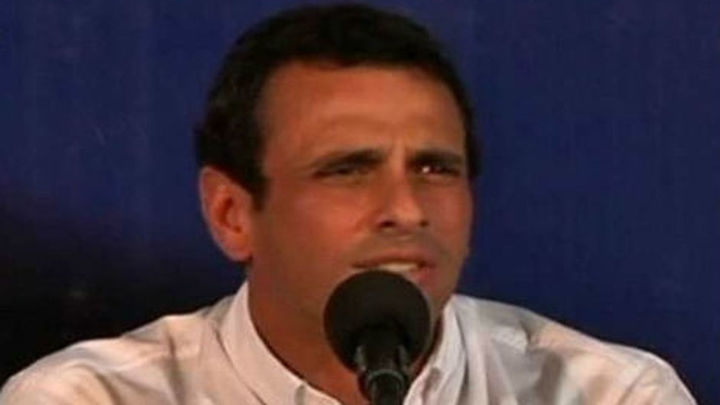 Capriles anuncia que impugnará las elecciones y dice que se le mintió al país