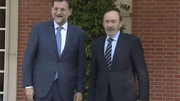 CIS: El PP saca su peor dato, pero aumenta a 5,8 puntos su ventaja sobre el PSOE