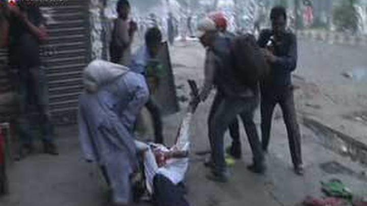 15 Muertos y 200 heridos en las protestas por la ley antiblasfemia en Bangladesh