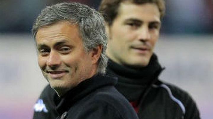 """Mourinho: """"Mientras yo sea entrenador del Real Madrid, va a jugar Diego López"""""""