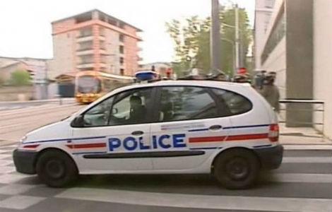 Hallan ordenadores, memorias, armas, dinero y dos coches de ETA en los registros en Francia