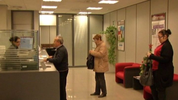 FACUA calcula que los usuarios pagan hasta 200 euros al año en comisiones bancarias