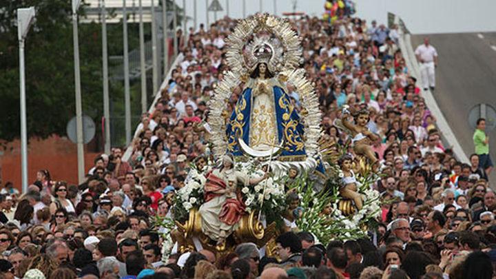 80.000 personas asisten a la bajada de la Virgen de Los Angeles en Getafe