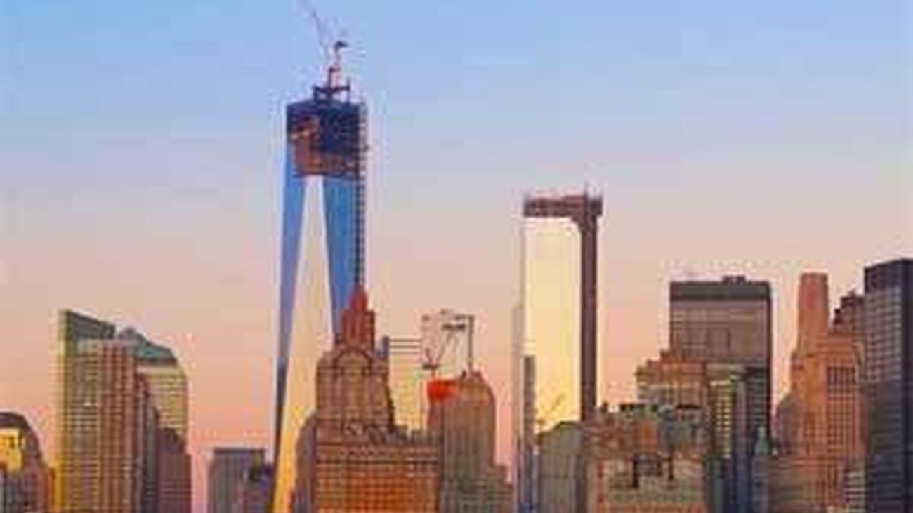El One World Trade Center toca el cielo de Nueva York 11 años después del 11S
