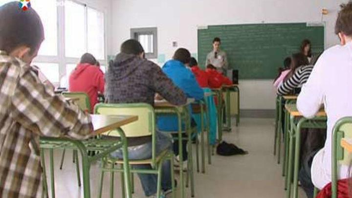 Educación cifra en un 7% el seguimiento de la huelga de interinos y éstos en el 25%