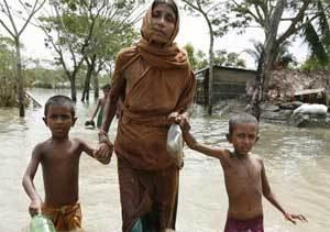 Ordenan evacuar a miles de personas en Bangladesh ante la llegada de ciclón