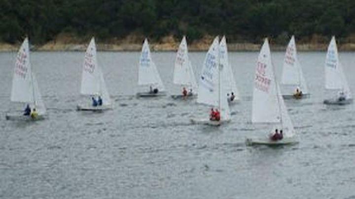 El Pantano de San Juan acoge el Campeonato Ibérico de Clase Snipe de vela