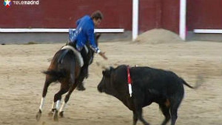 """Oreja para Hermoso, que """"pincha"""" la Puerta Grande en Las Ventas"""