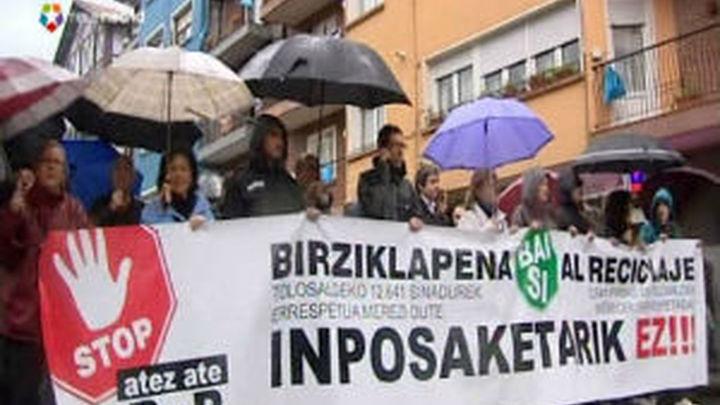 Continúa la rebelión ciudadana contra el sistema de recogida de basuras de Bildu