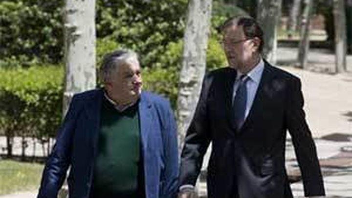 Mujica suspende su visita a Italia al final de su gira para guardar reposo