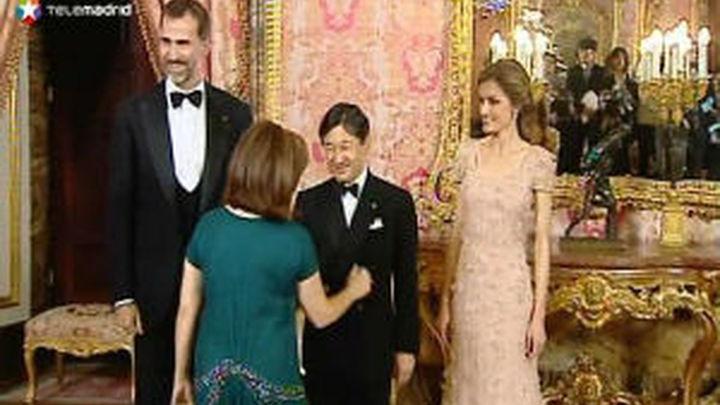 La cena a Naruhito en el Palacio Real reúne a un centenar de invitados