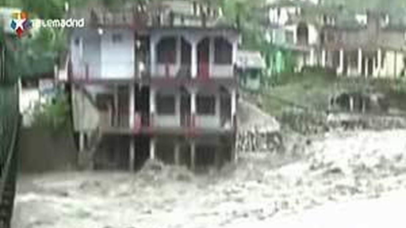 Al menos 45 muertos y 50 desaparecidos por el monzón en la India