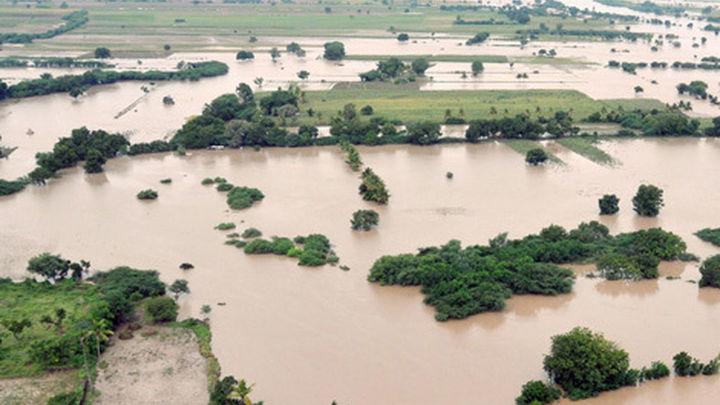 Aumentan a 77 los muertos en las inundaciones del norte de la India