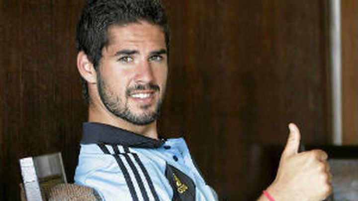 Real Madrid y Málaga oficializan el traspaso de Isco