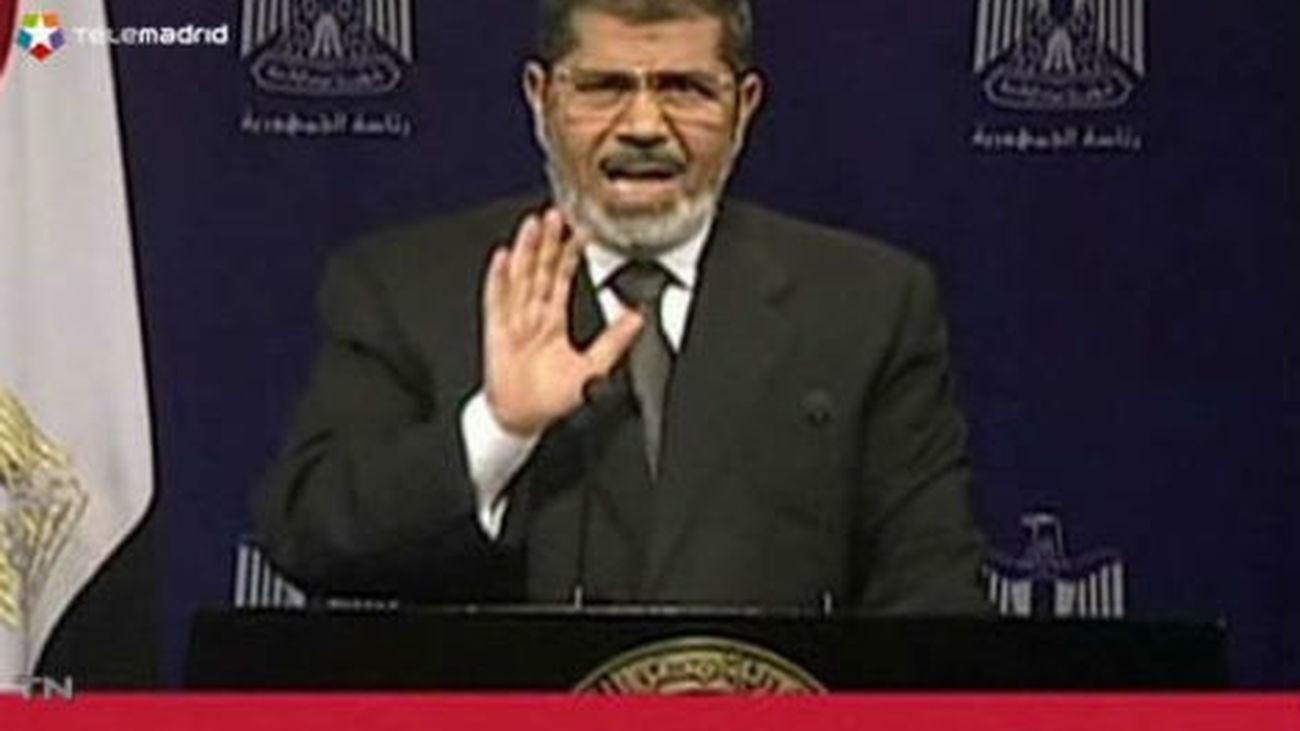 El jefe del Ejército egipcio se reúne con la oposición para analizar los pasos a seguir