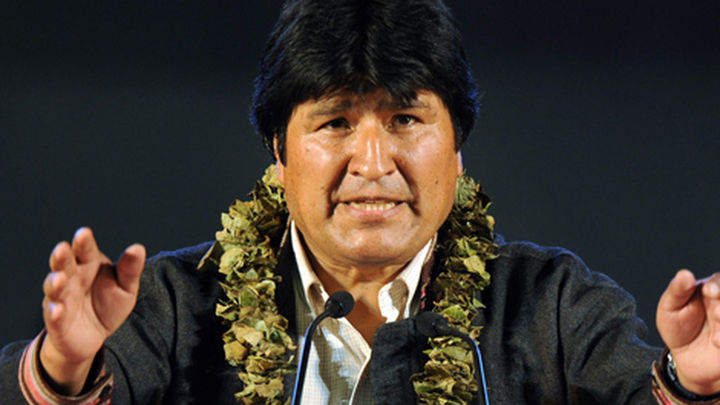 España pide disculpas a Bolivia por el incidente con el avión de Evo Morales