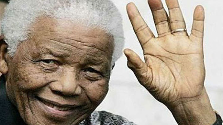 La capilla ardiente de Mandela abre por último día en Pretoria