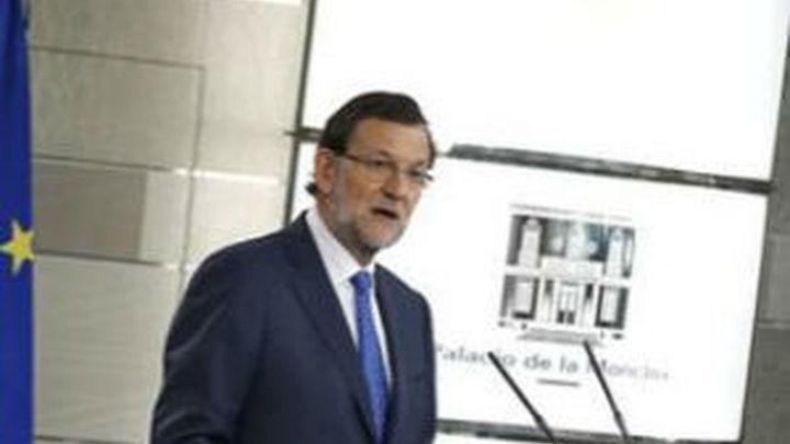 """Rajoy, a la prensa internacional: """"España ha salido de la recesión pero no ha salido de la crisis"""""""