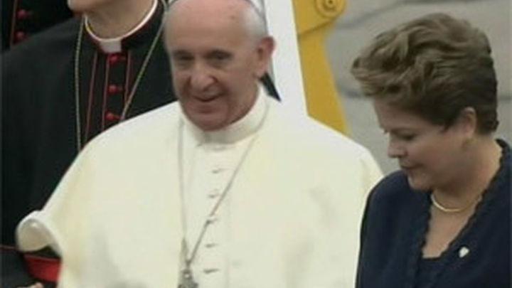 El Papa Francisco llega a Río de Janeiro para la JMJ