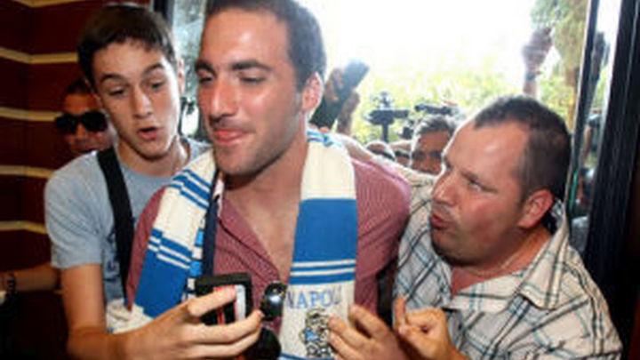 El Real Madrid hace oficial el traspaso de Higuaín al Nápoles