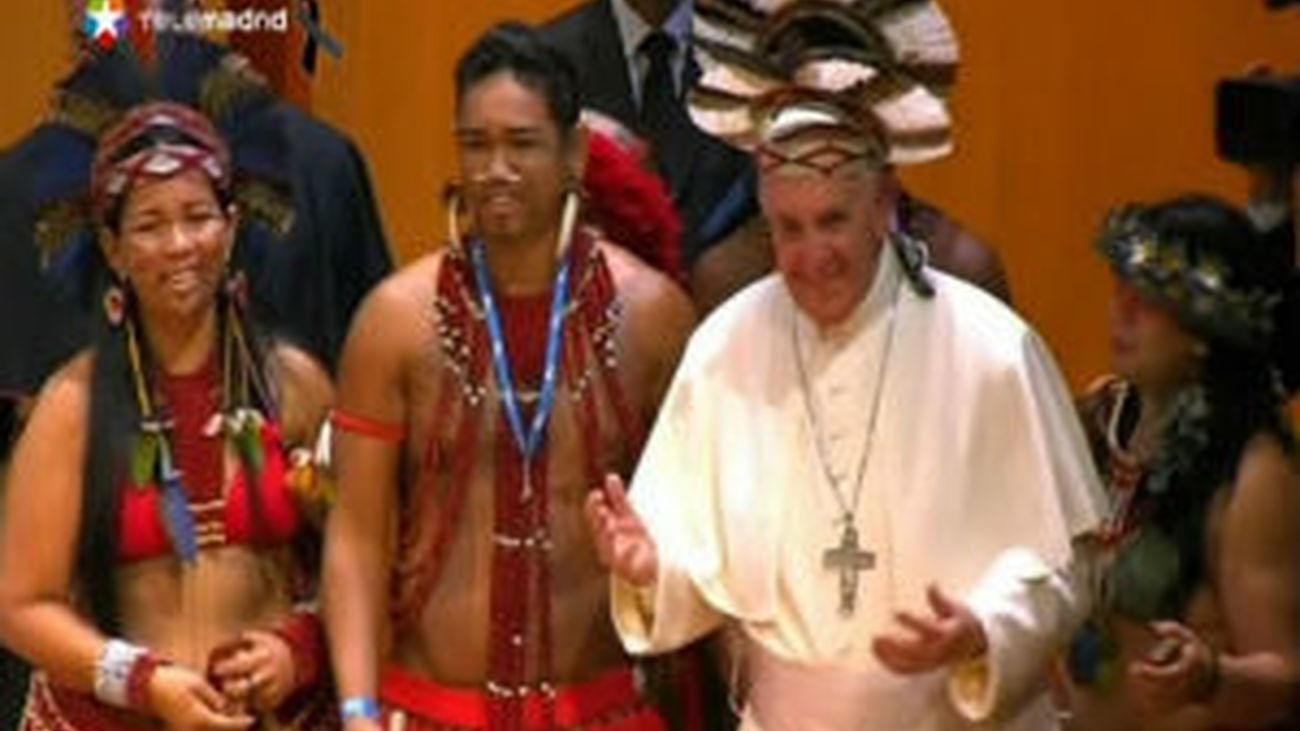 """El Papa pide a los obispos servir a Cristo en las """"villas miseria"""" y chabolas"""