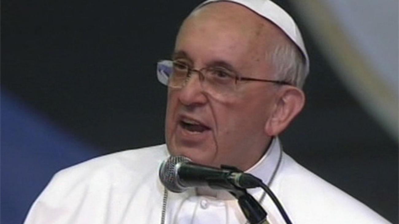 El Papa no juzga a los homosexuales pero se muestra contrario al lobby gay