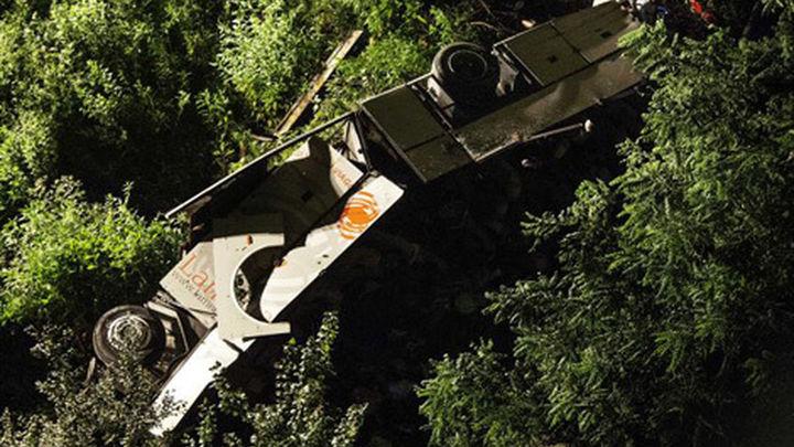 Una española muere en un accidente de bus en Francia con 30 heridos