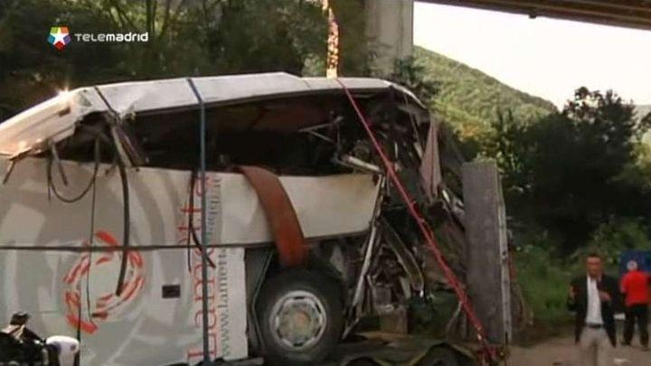 Al menos 38 muertos y 10 heridos en un accidente de autocar en Italia