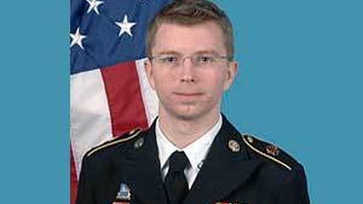 El soldado Manning absuelto de ayudar al enemigo por la filtración de WikiLeaks