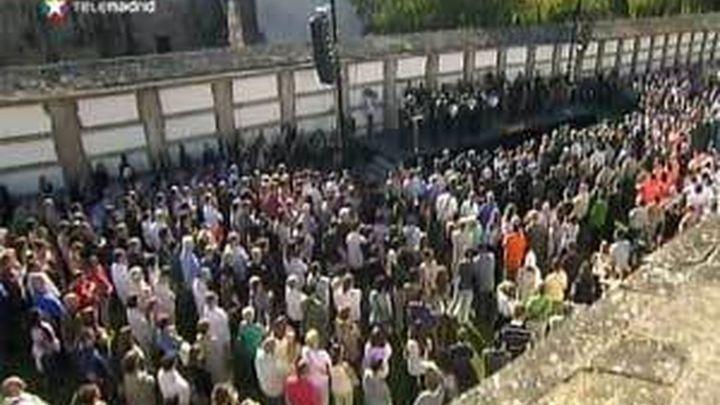 Emotivo homenaje a las víctimas del accidente en el cementerio de Bonaval