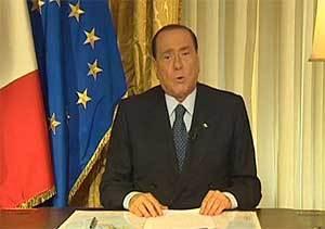 """Berlusconi no renuncia a la política y califica de """"persecución judicial"""" su condena"""